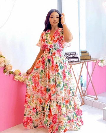 chic robe fleurie multicolores